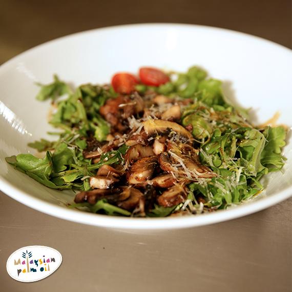 Jochen Stir-Fried Portobello Mushroom on Arugula